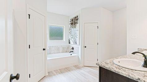 Arbor Walk Master Bathroom - DSLD New Construction Homes - Denham Springs, LA