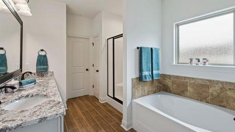 DSLD Homes - Ambassador Gardens - Klein II B - Lafayette, LA - Model Home Master Bathroom