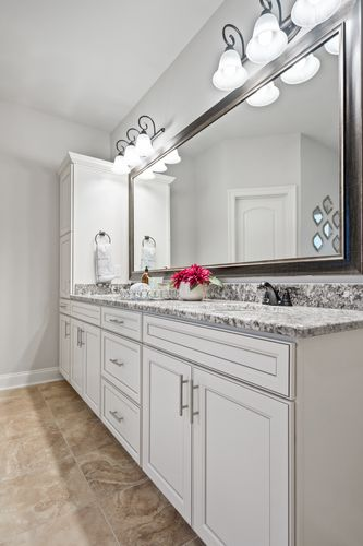 The Settlement at Live Oak - Model Home Master Bathroom - DSLD Homes - Renoir III C - Thibodaux, LA