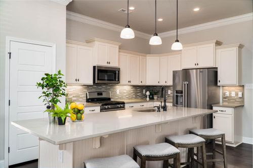 The Hamptons at Piney Creek - Model Home Kitchen - DSLD Homes - Madison, AL
