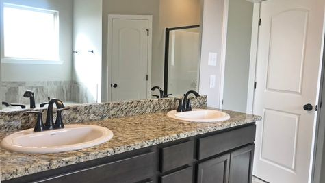 RAVENSWOOD IV A  Elevation- Master Bathroom - BELLE SAVANNE Community - DSLD Homes - SULPHUR, LA