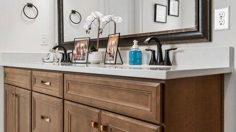 The Preserve at Gray's Creek - Harmand II A - DSLD Homes - Model Home Master Bathroom