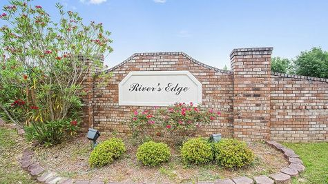 Front Entrance Sign - River's Edge - DSLD Homes D'Iberville