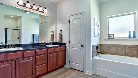 Master Bathroom - RiverScape Village - DSLD Homes Shreveport