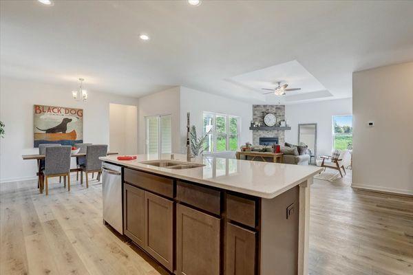 818 Bridlewood Drive, open floor plan