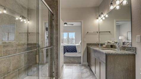 The Juliet Owner's Bathroom - Halen Homes