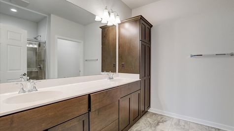 The Aspen Owners Bathroom W142N11281 Wrenwood Pass, Germantown WI