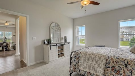 The Aspen Bedroom W142 N11287 Wrenwood Pass, Germantown, WI