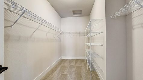 1207 E Sweetbriar Ln, walk-in closet - Halen Homes