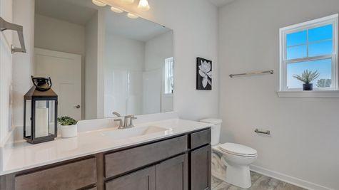 818 Bridlewood Drive, hall bathroom