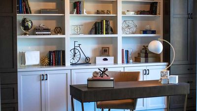 Kinsely home office with bookshelf