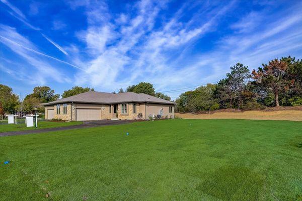 The Genevieve in Bristlecone Pines, Hartland, WI - Halen Homes