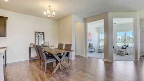 The Breckenridge Dinette and Sunroom - Halen Homes