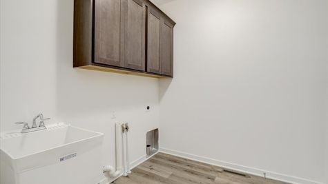 818 Bridlewood Drive, laundry room
