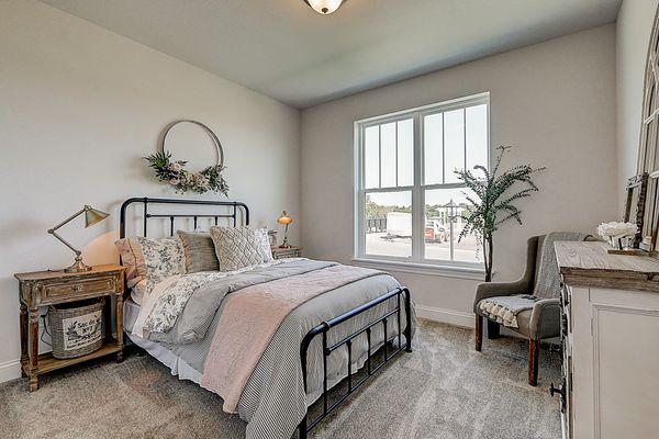 1398 Overlook Circle, Bedroom - Halen Homes