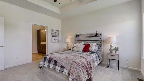 The Breckenridge Owners Suite - Halen Homes
