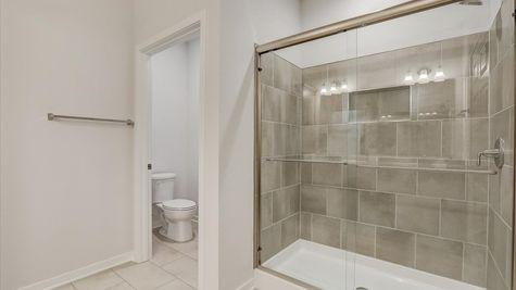 The Aspen Owners Bathroom W142 N11287 Wrenwood Pass, Germantown, WI