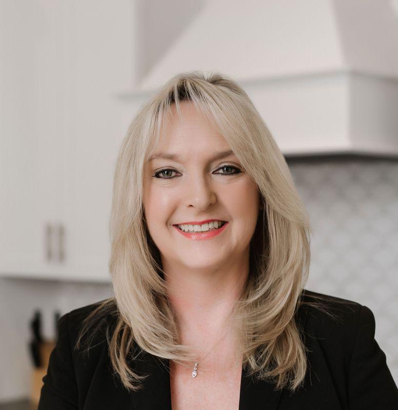 Meet Our Online Sales Consultant, Kristie Cotter