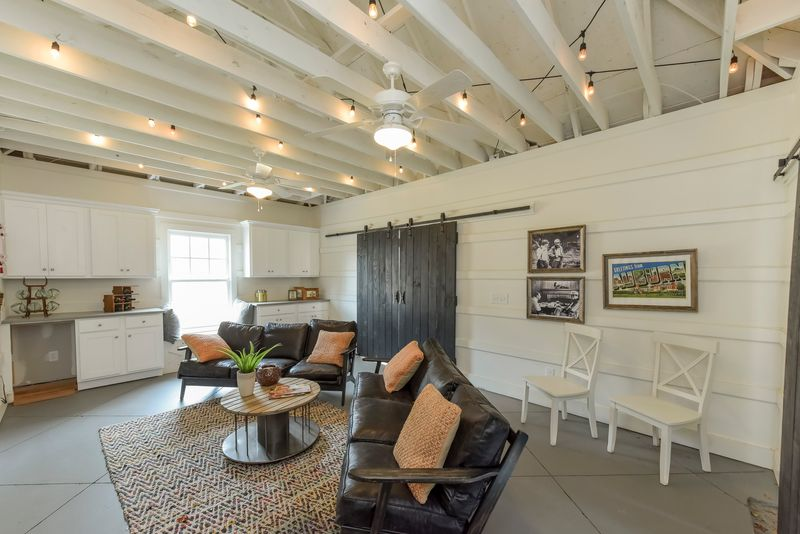Five Tips for Creating a Man Cave in Your New Construction Home