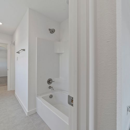 Landing at Providence model bathroom 7 | HistoryMaker Homes