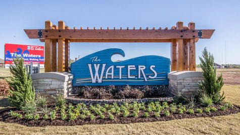 Entrance for The Waters Neighborhood in Moore, OK