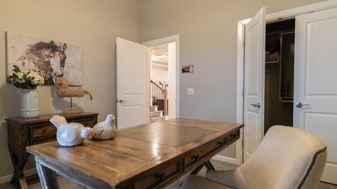 Homes by Taber Shiloh Bonus Room 2 Floor Plan-The Grove Model Home - 18821 Autumn Grove