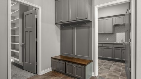 Gillcrest Mud Bench and Laundry Room