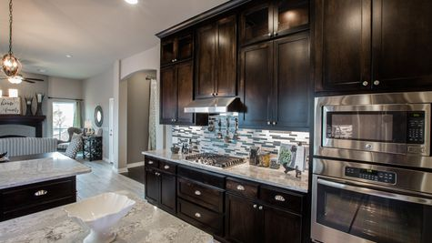 Oakland Kitchen, Dining & Hearth