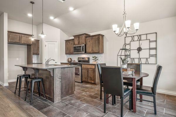 Ivory Kitchen & Breakfast Area