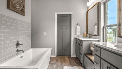 Gillcrest Master Bathroom