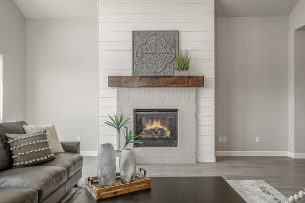 Overly Living Room Fireplace