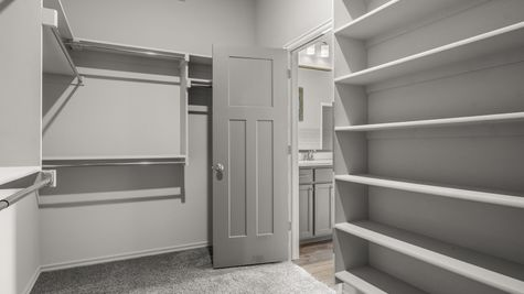 Gillcrest Master Walk-In Closet