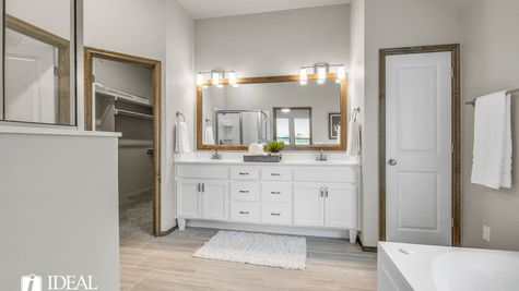 Bradford master bathroom - new home in Edmond or Norman
