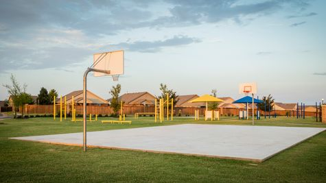 Basketball courts in valencia edmond ok