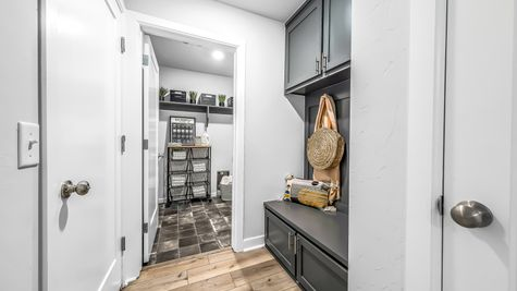 Fitzgerald Mud Bench & Utility/Laundry Room