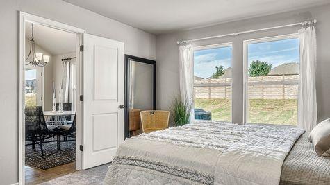 Dawson Master Bedroom & Breakfast Area