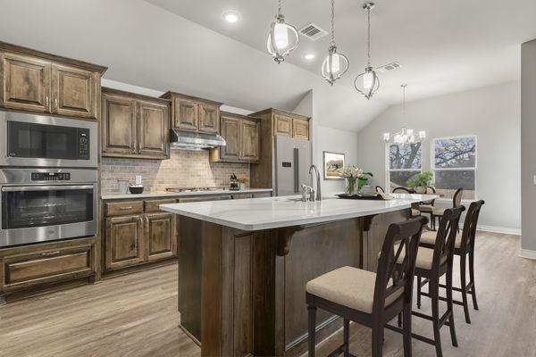 Langley 3-Car Kitchen & Dining