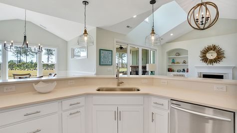 Amelia Bay, Kitchen
