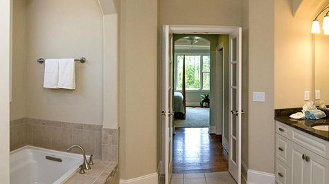 Bar Harbour II, Master Bath