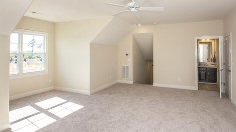 Amelia Bay, Bonus Room