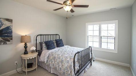 Balboa Bay, Guest Bedroom