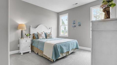 Shelter Bay, Guest Bedroom