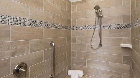 Balboa Bay, Master Shower