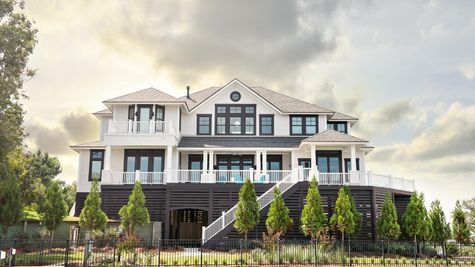 Custom Homes Photo-3