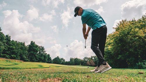 Homeowner in Leland NC playing golf