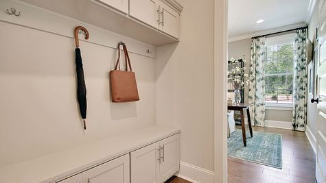 Bench and Cubbies | Warwick Plan