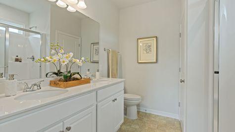 Secondary Bathroom | Dorchester Plan