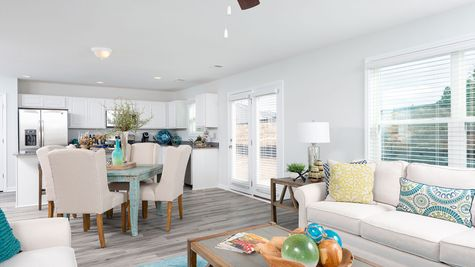 Family Room to Eat-In | Meriwether Plan