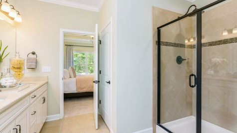 Master Bathroom | Middleton Plan