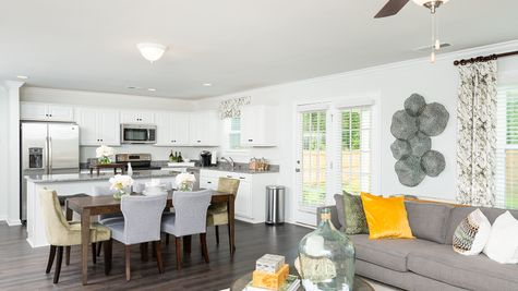 Eat-In to Family Room | Lancaster Plan